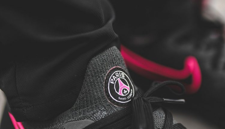 Paris-Saint-Germain-Nike-Epic-React-Flyknit-2-6