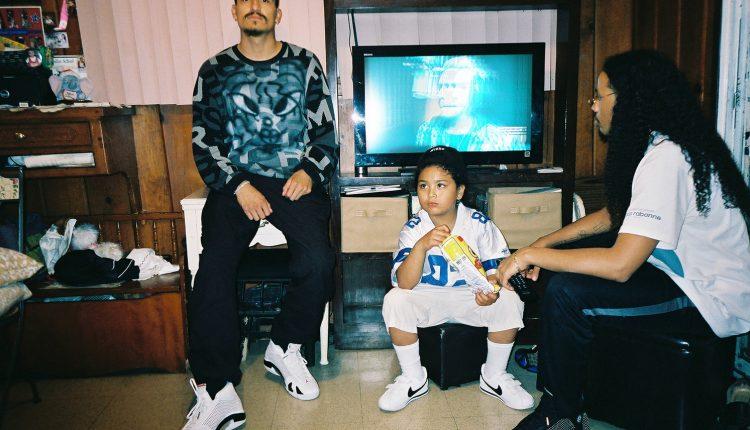 Supreme x Air Jordan 14 (2)
