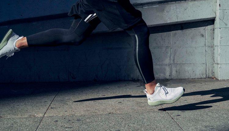 8. adidas ALPHAEDGE 4D Reflective閃銀反光鞋面,以獨特之姿顛覆跑鞋想像!