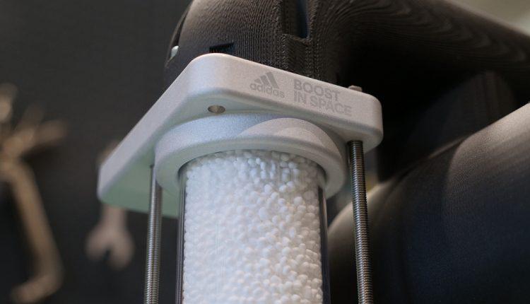 news adidas-ISS National Lab BOOST UltraBOOST 2020 (3)