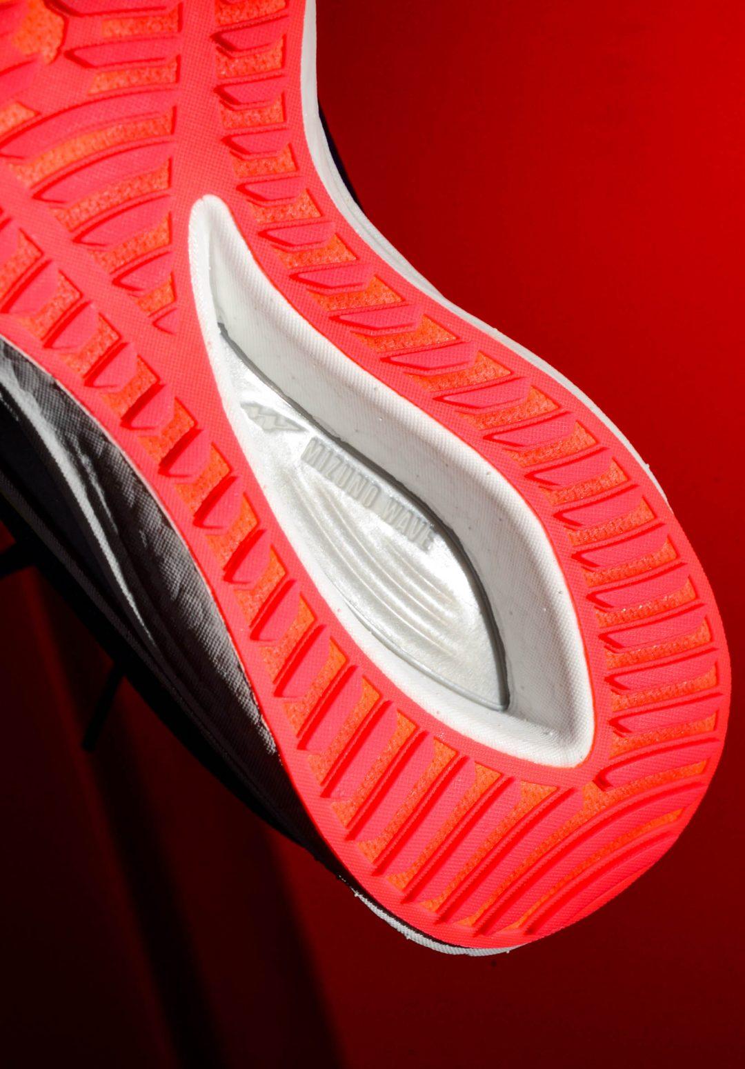 mizuno-wave-rebellion-running-shoes-compare-0226-2